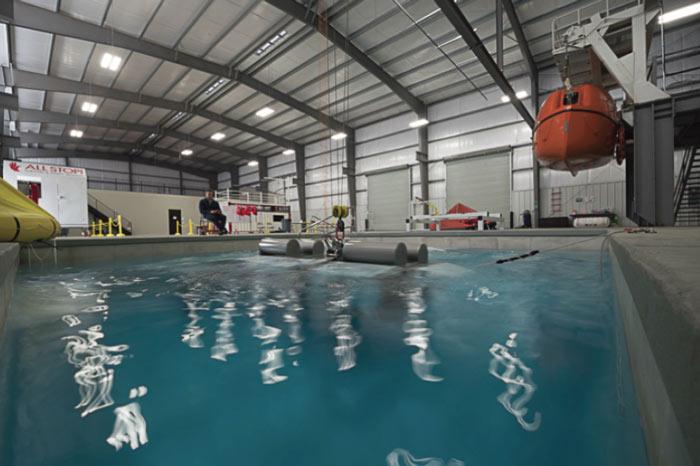 pool-huet-underwater